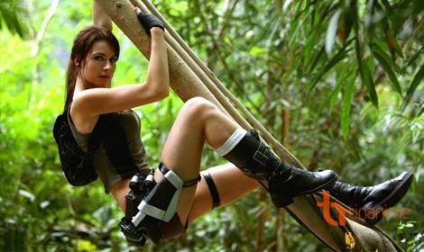 Cosplay Lara Croft: Nhẹ nhàng mà quyến rũ
