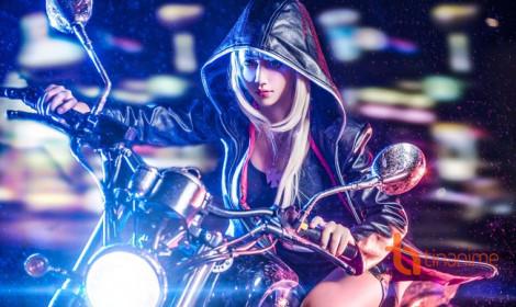 Mãnh nữ thu hút mọi ánh nhìn với mô tô rền vang đường phố!