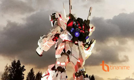 Robot Gundam khổng lồ sừng sững giữa lòng Tokyo
