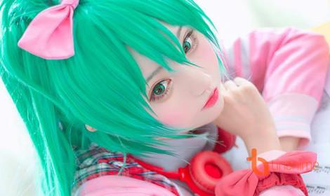 Bộ cosplay Miku đầu tiên của Tiểu Nhu!