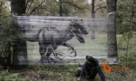 """""""Ảo tung chảo"""" với graffiti trên màng nhựa trong suốt"""