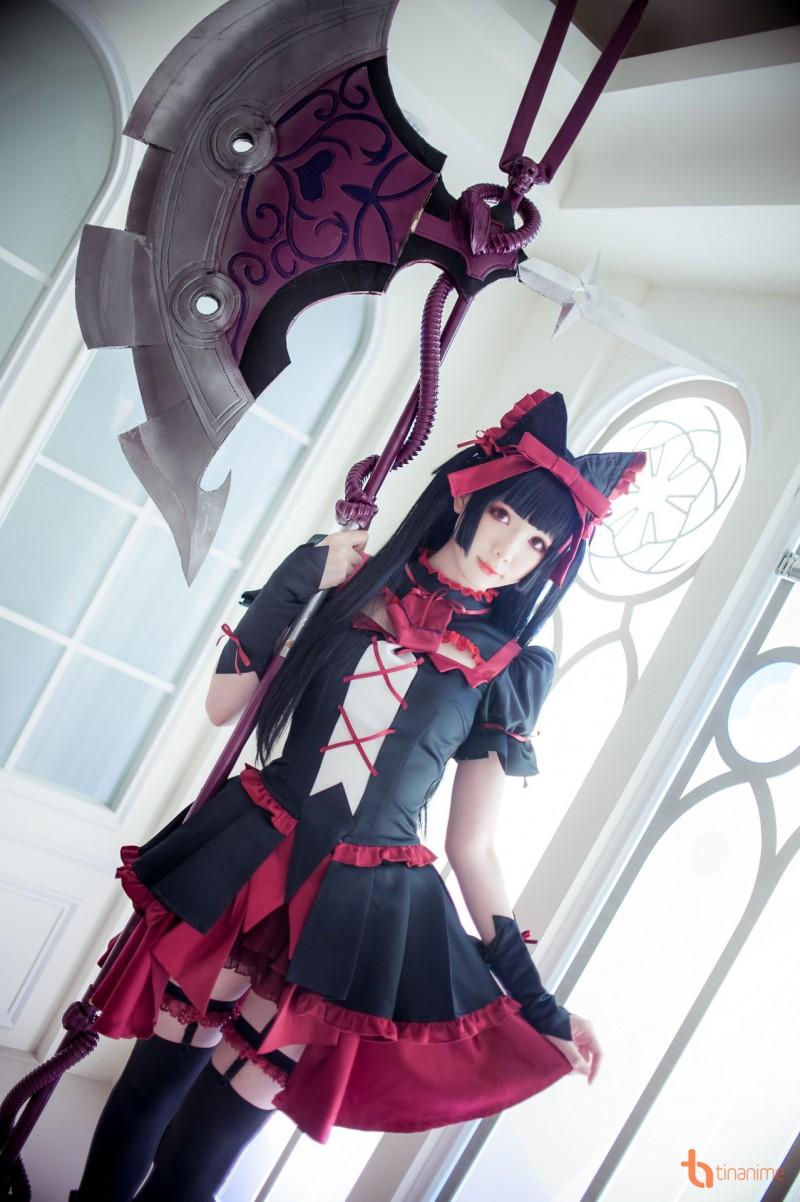 Nữ nhân vật này là một á thần 961 tuổi được mệnh danh là tử thần trong bộ  anime Gate. Hãy xem Shimo thể hiện nét quyến rũ của Rory Mercury thế nào  nhé!