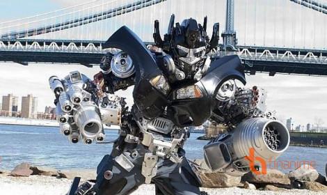 """""""Thánh"""" cosplay robot từ... rác - Đẹp không tưởng!"""