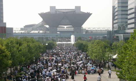Comic Market 96 chỉ với 2 ngày đã cán mốc 330,000 người tham dự!