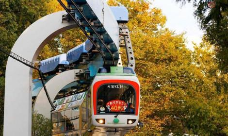 Chặng đường 60 năm của tàu điện treo Monorail ở Ueno đã nghỉ hưu!